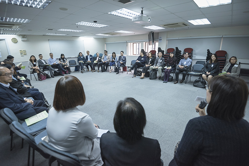 Representatives from NGOs exchanged the specialties of their agencies' service and concerns about youth  services in the sharing session